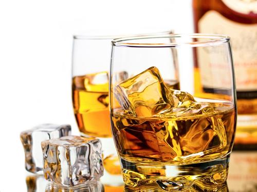 白兰地和威士忌的区别_白兰地和威士忌哪个更好喝